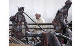 El Papa instó a construir una sociedad más justa y sin exclusiones en Uganda