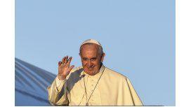 Francisco emprendió su viaje a África para una gira histórica