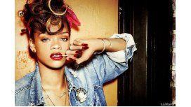 VIDEO: Rihanna se quebró en llanto en pleno show