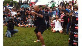 El día que Jonah Lomu enseñó el haka a cientos de chicos argentinos