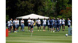 Martino sorprendió con un cambio en la primera práctica en Colombia