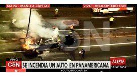 Se incendió un auto en la Panamericana: tres muertos