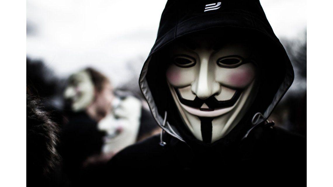 Anonymous, después de atacar el Banco de Grecia, apunta a otras instituciones