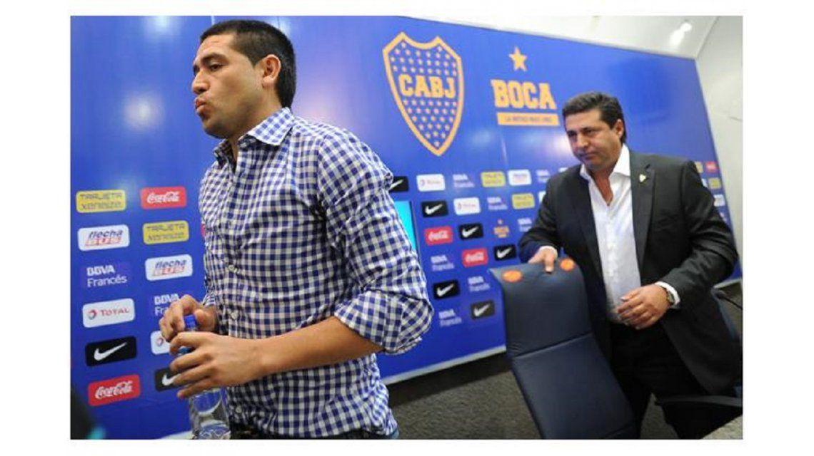 Riquelme felicitó a Angelici y dijo que le tiene confianza en el nuevo mandato en Boca