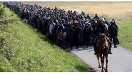 Unos 2.000 refugiados escapan de centro de acogida esloveno para ir a Austria