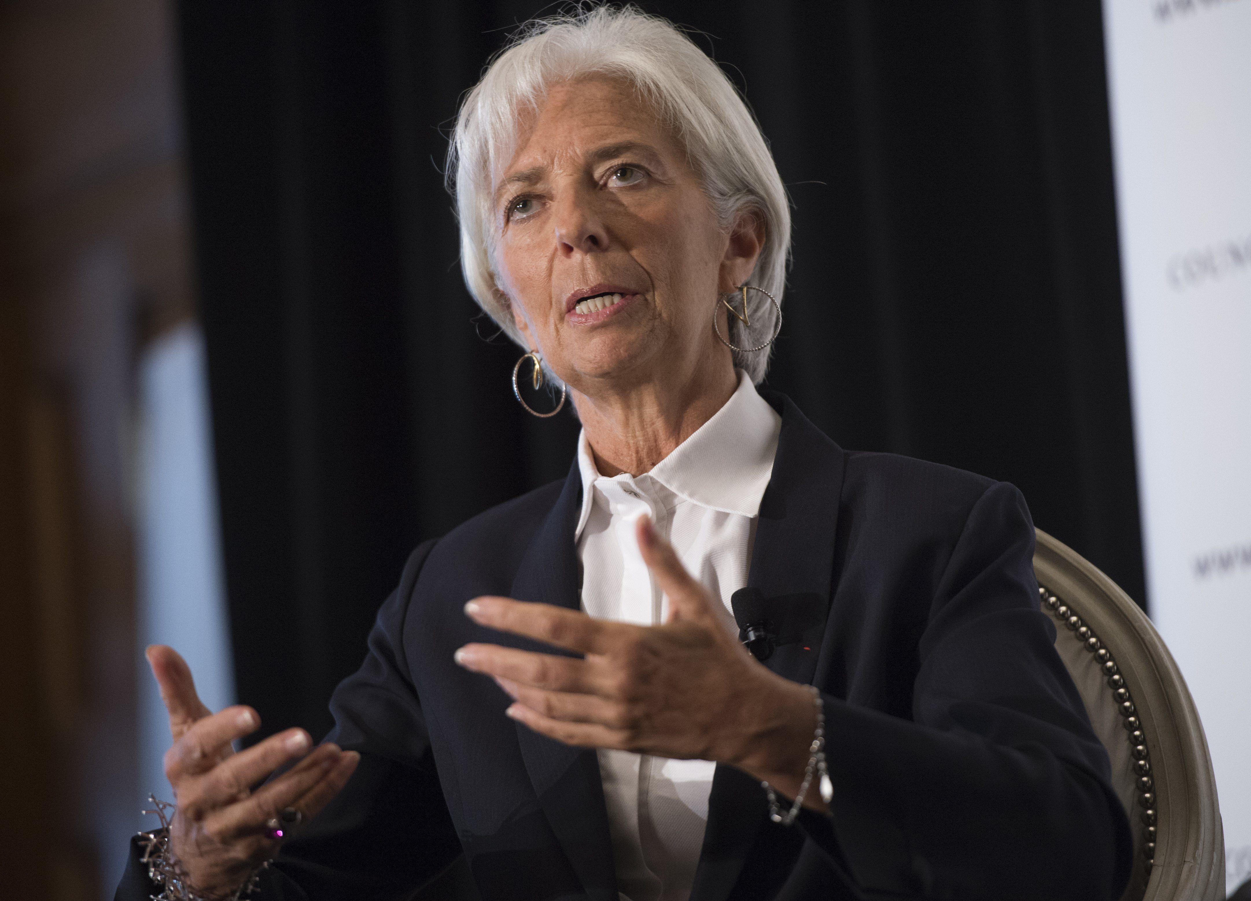 Francia juzgará a la presidenta del FMI acusada de estafa en banda organizada