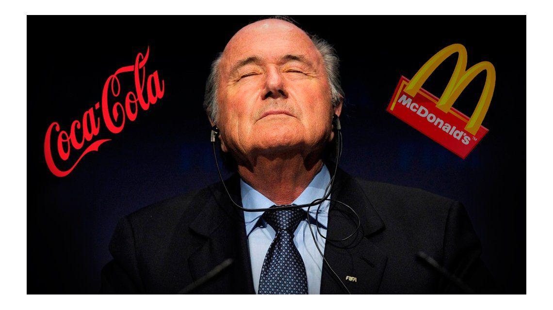 Tiembla Blatter: auspiciantes de FIFA piden su inmediata renuncia
