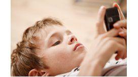 Los chicos pueden espiar a los papás desde el celular