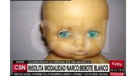 #NarcoBebote Detienen a pareja que vendía cocaína en muñecos