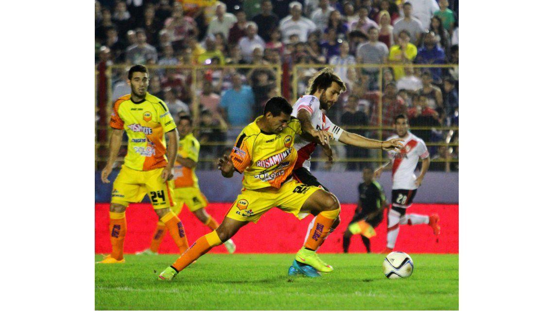 Con suplentes, River derrotó a Crucero del Norte con un gol de Gonzalo Martínez
