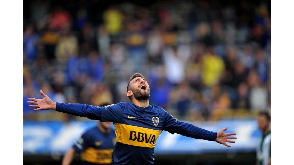 Un jugador de Boca sorprendió con su cambio de look en Ezeiza