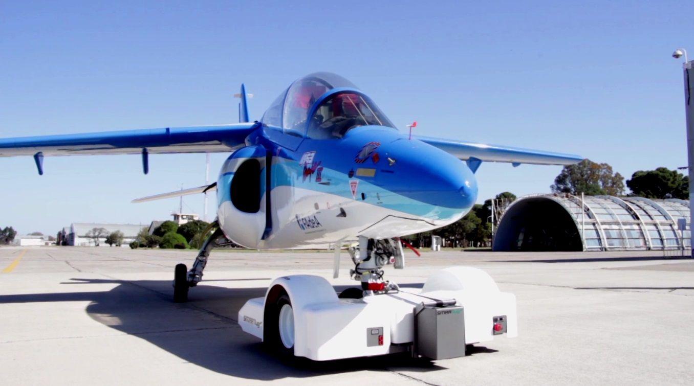 Un caza siguió a un avión no identificado hasta que abandonó el espacio aéreo argentino