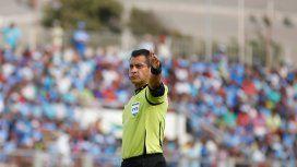 Un chileno dirigirá el debut de Argentina en las Eliminatorias para Rusia 2018