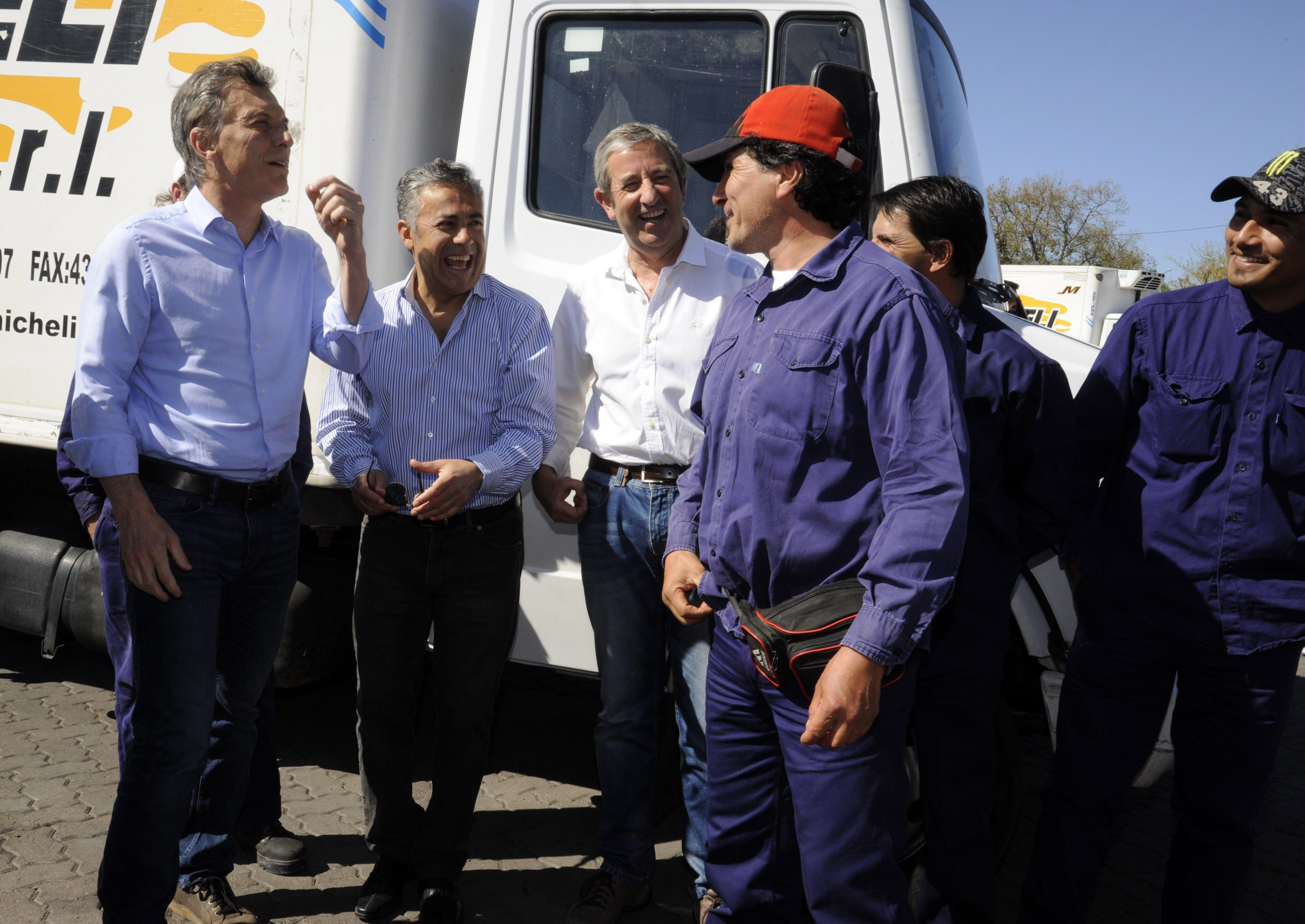 En campaña, Macri seduce a gobernadores del PJ y les promete trabajar codo a codo