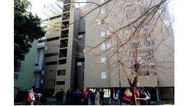 Realizan allanamientos en las oficinas del Instituto de la Vivienda de la Ciudad