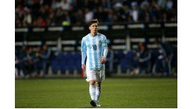 Messi, resignado, no se baja: Más no me van a criticar