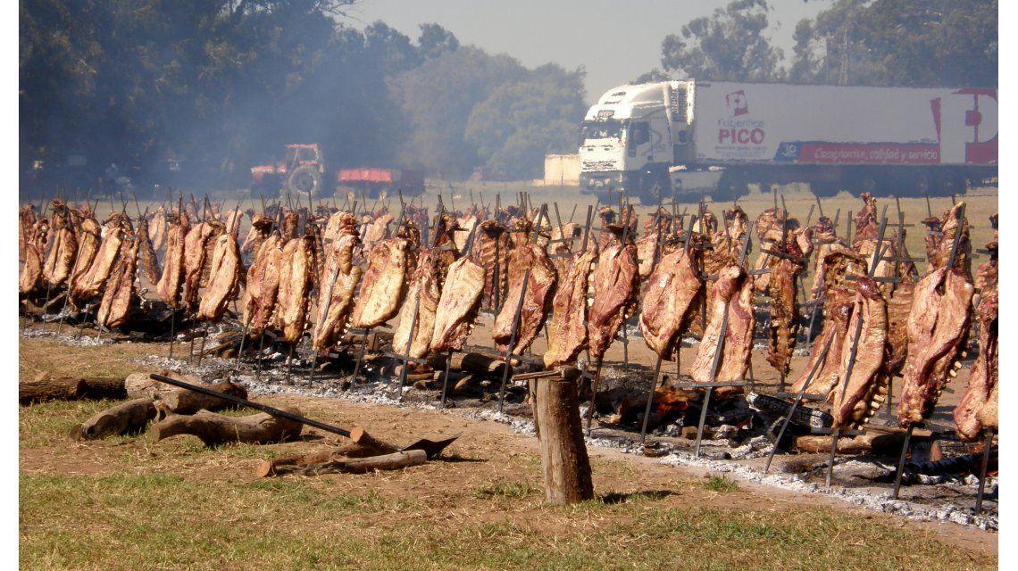 Sabroso desafío: buscarán hacer el asado más grande del mundo