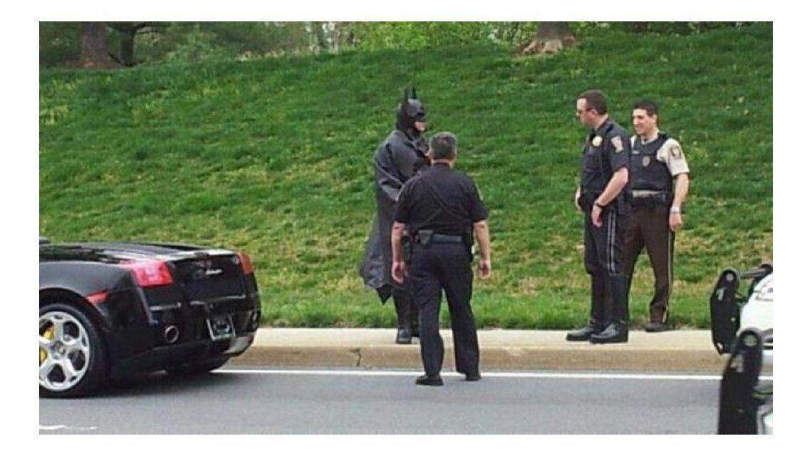Murió en un accidente el Batman del Lamborghini