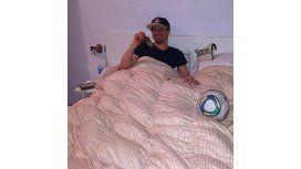 A la cama con Mora: el uruguayo se relaja tras la obtención de la Copa