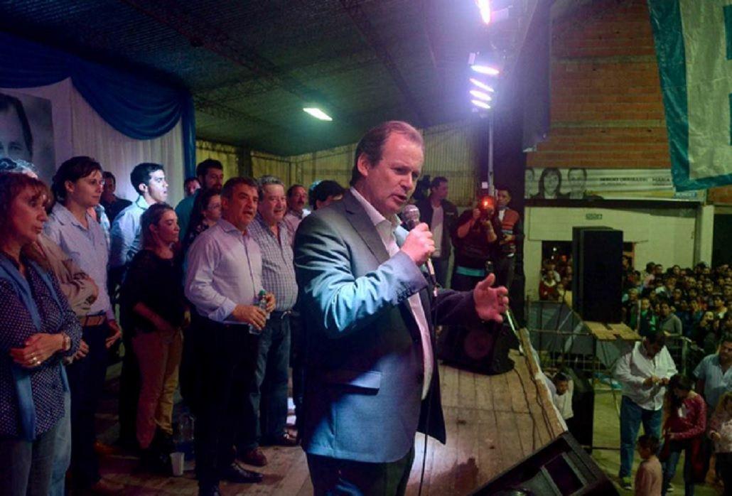 Bordet: Valoro que Macri haya convocado a los gobernadores a dos días de asumir