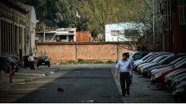 La Justicia ordenó demoler el muro de Clarín en Barracas