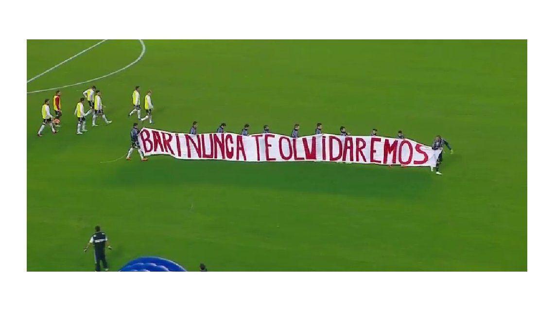 El homenaje de Unión a Diego Barisone en La Bombonera