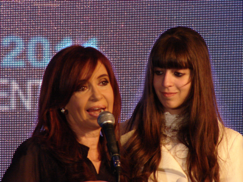 El Gobierno pidió que Cristina y sus hijas seon juzgados por el caso Hotesur