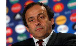 La FIFA quiere suspender de por vida a Platini