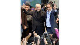 Scioli realizó su primer acto de campaña con los movimientos sociales