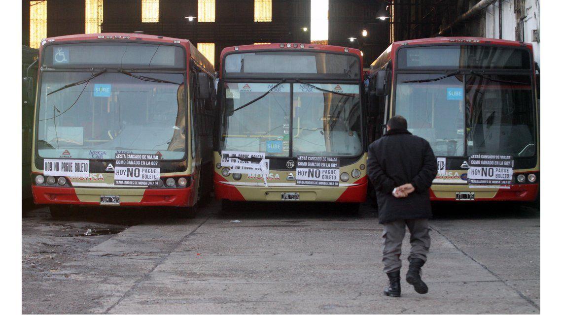 Sorpresivo paro de la Línea 60 de colectivos afecta a miles de pasajeros