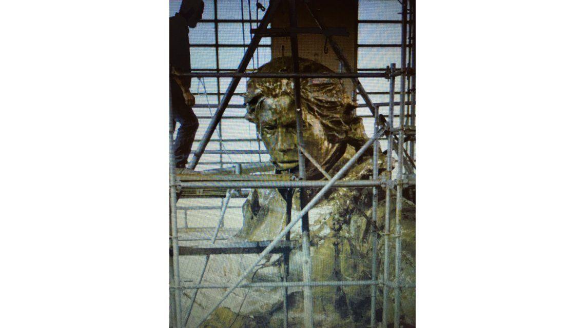 Cómo es la escultura de Juana Azurduy que estará detrás de la Casa Rosada