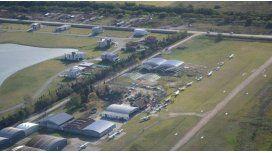 Tragedia: chocan dos avionetas y muere un piloto
