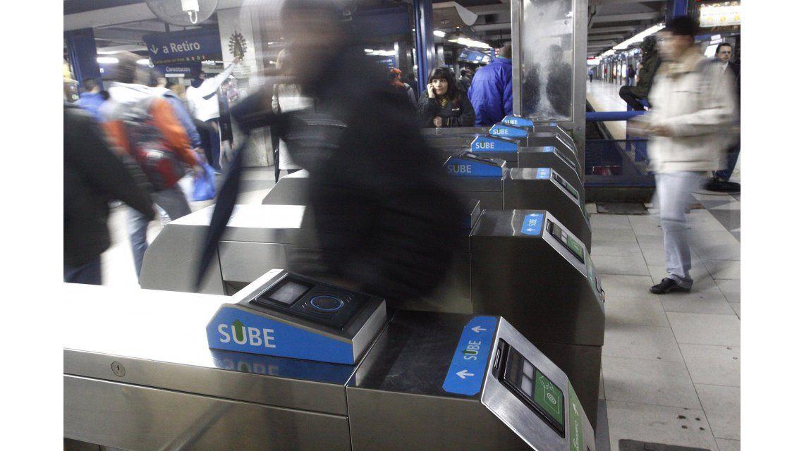 Desde hoy, los viajes en subte sólo se podrán pagar con SUBE o Monedero