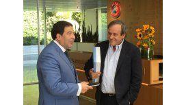 La UEFA colaborará con la AFIP para transparentar el mercado de pases
