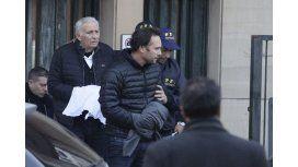 El juez Bonadío rechazó el pedido de extradición de Eduardo Deluca y los Jinkis.