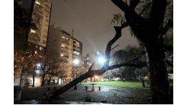 Rige alerta meteorológico por vientos fuertes para la Ciudad y cinco provincias