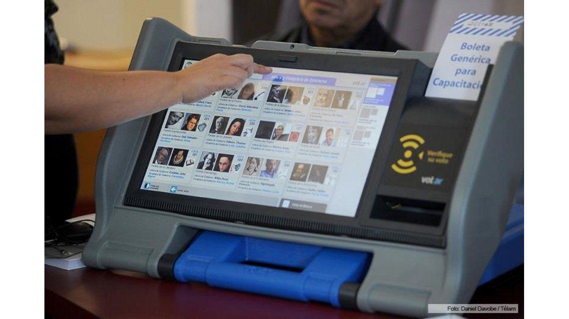 La Metropolitana allanó el domicilio del hombre que denunció fallas en la boleta electrónica