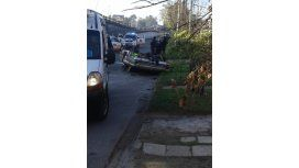 Tragedia en Ciudad Evita: un automovilista murió al caer desde un puente