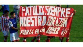 El homenaje de los jugadores de Atlético Paraná a Cristian Gómez