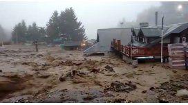 Desastre en Bariloche por un alud de barro y piedra: corte en la Ruta 40