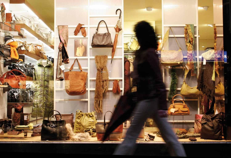 Las ventas minoristas cayeron 2,3% en enero tras 13 meses de alzas consecutivas