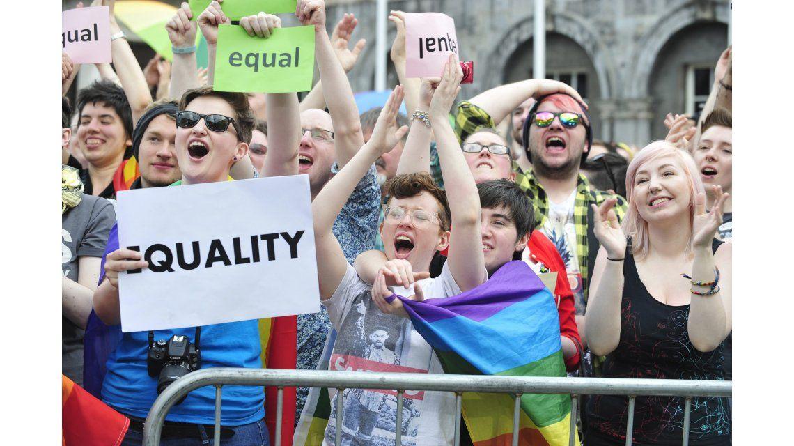 Irlanda se convirtió en el primer país con matrimonio igualitario por voto popular