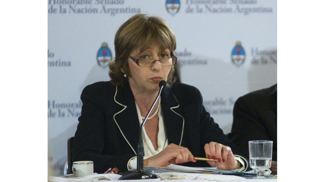 Piden que la Justicia haga cesar amenazas del Ejecutivo por Gils Carbó