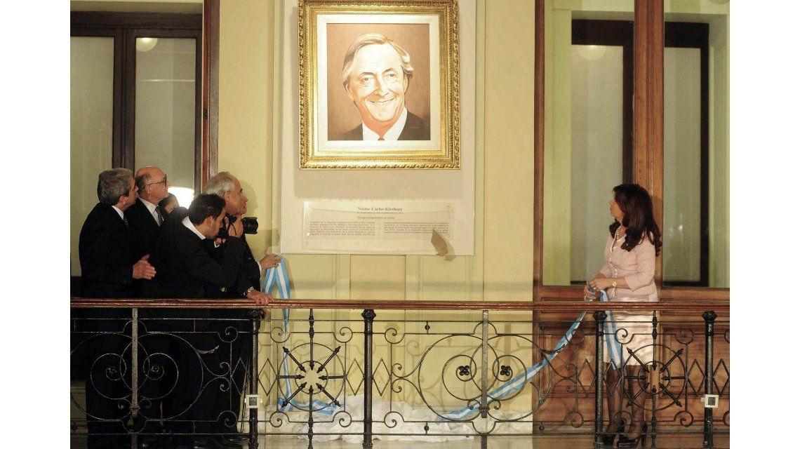 Bajaron los cuadros de Néstor Kirchner y Hugo Chávez de la Casa Rosada