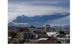 Sigue el alerta por el volcán chileno