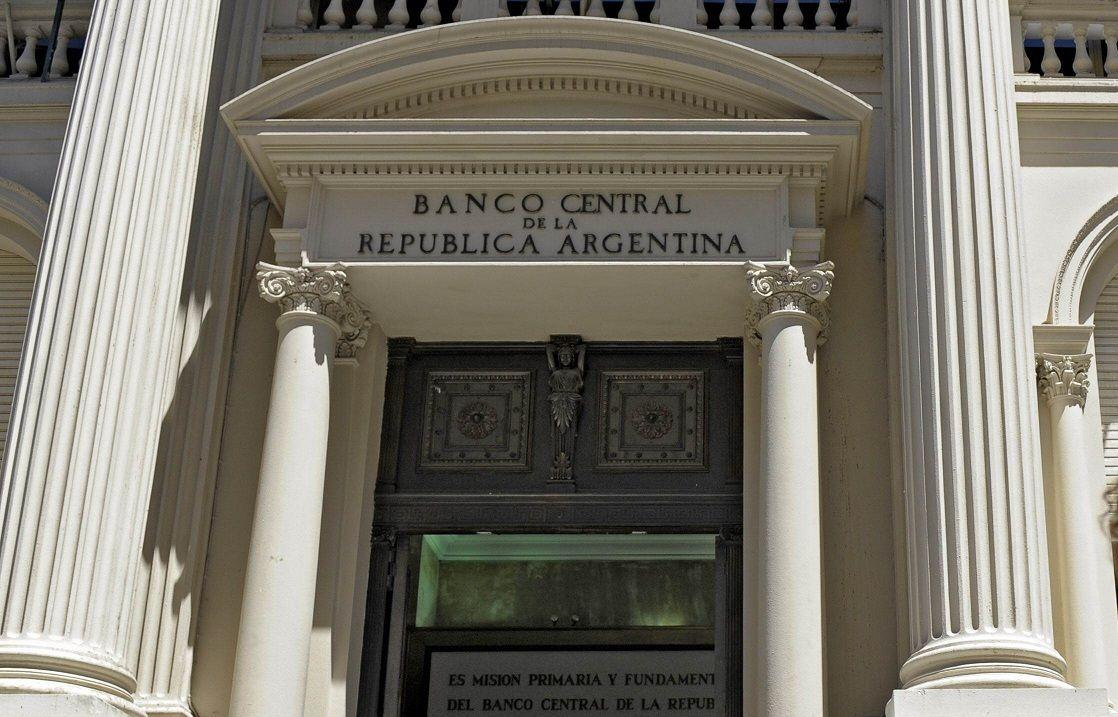 El Gobierno recibió más de u$s 65.000 millones por los bonos para pagar la deuda
