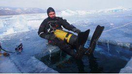 El explorador que cruzó el lago más profundo