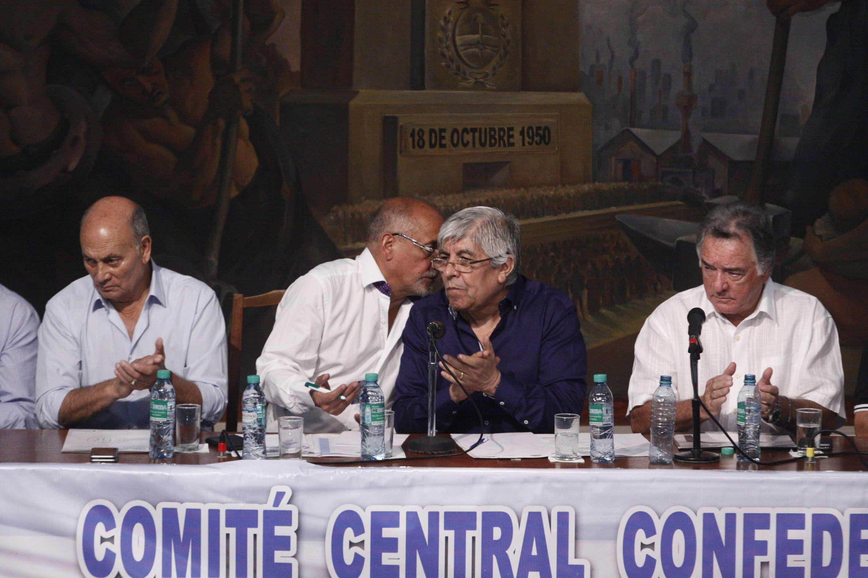 Ganancias: Moyano y Barrionuevo esperan a la UTA para lanzar un nuevo paro
