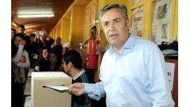 Uno de los precandidatos del FpV llamó a Cornejo para felicitarlo