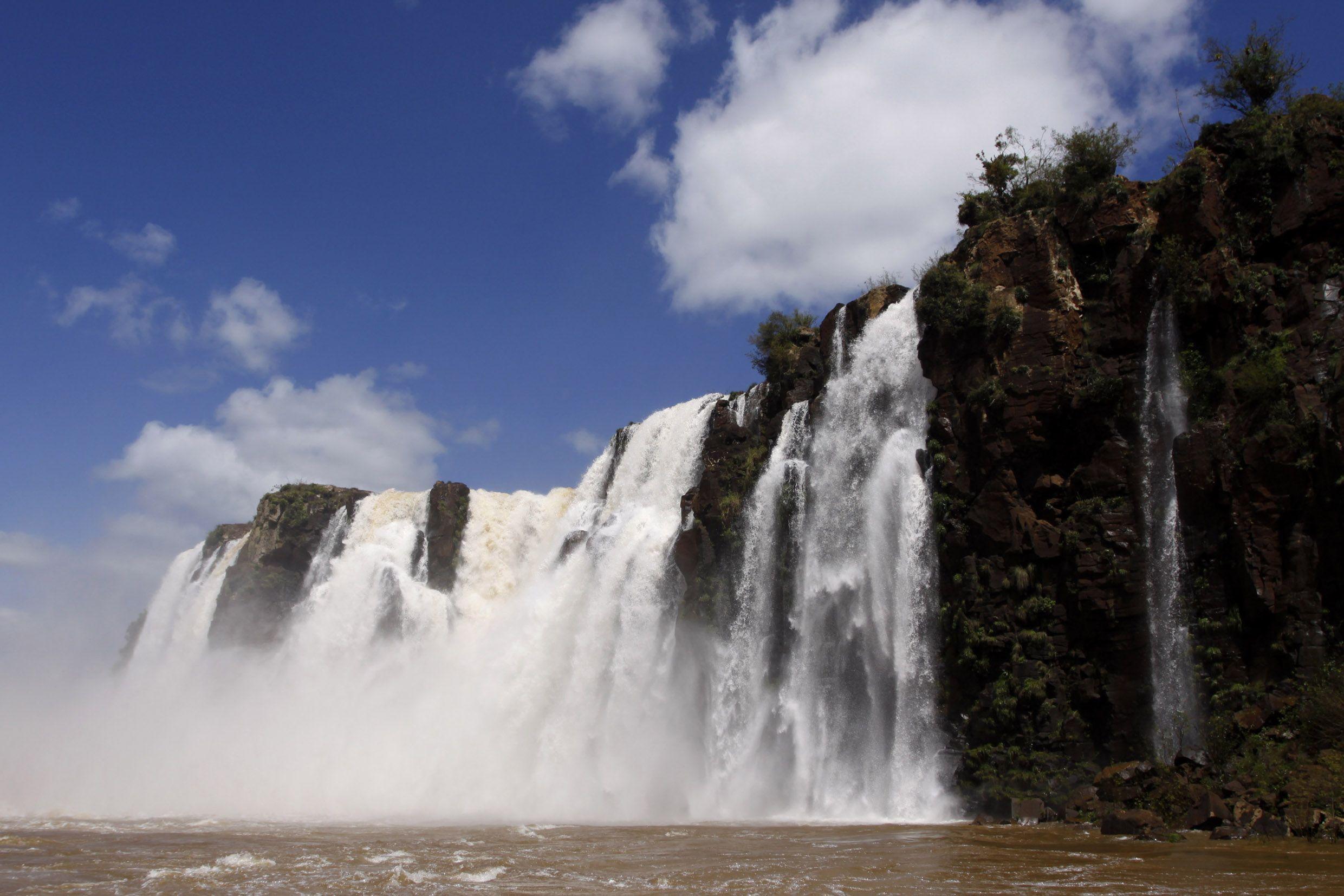 Se calcula que, sólo en julio, más de 150 mil turistas visitarán Cataratas del Iguazú